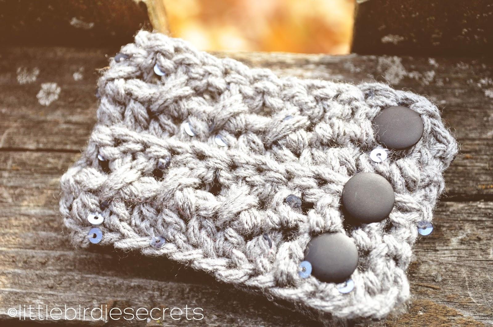 free crochet headband and cuff {pattern} | Little Birdie Secrets