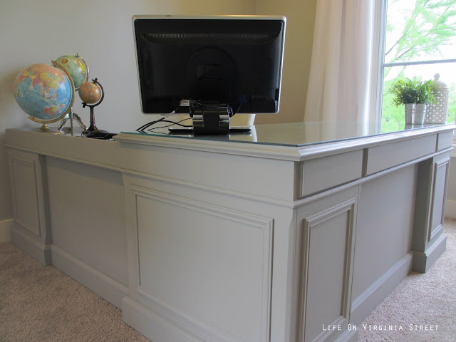 Painted desk using Annie Sloan Chalk Paint in French Linen.