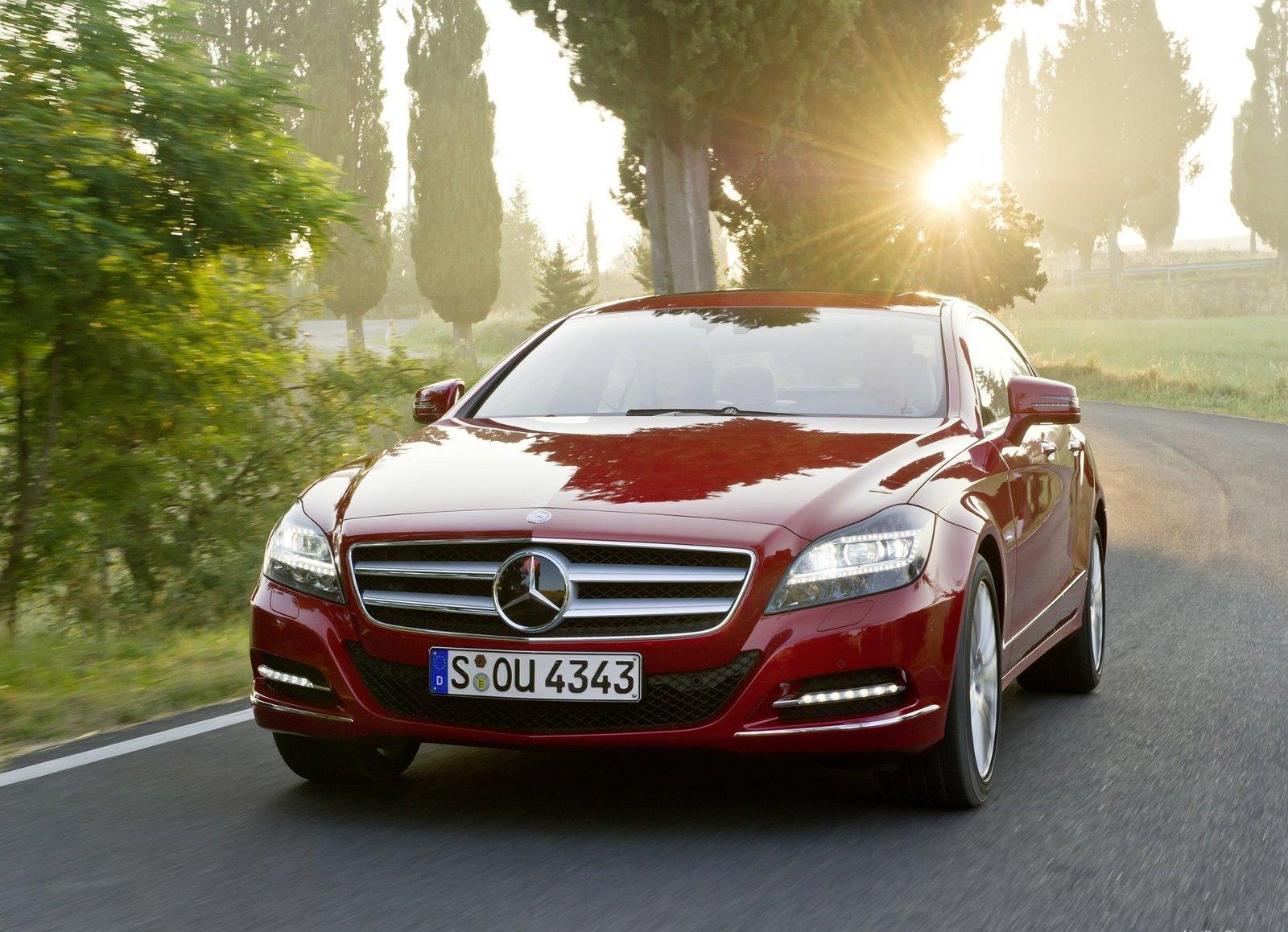 http://3.bp.blogspot.com/-liPq0XKaCAE/Tb6mGm-2RuI/AAAAAAAAAcw/HIKnLJKh-SU/s1600/Mercedes-Benz-CLS-Class_2012_1600x1200_wallpaper_05.jpg