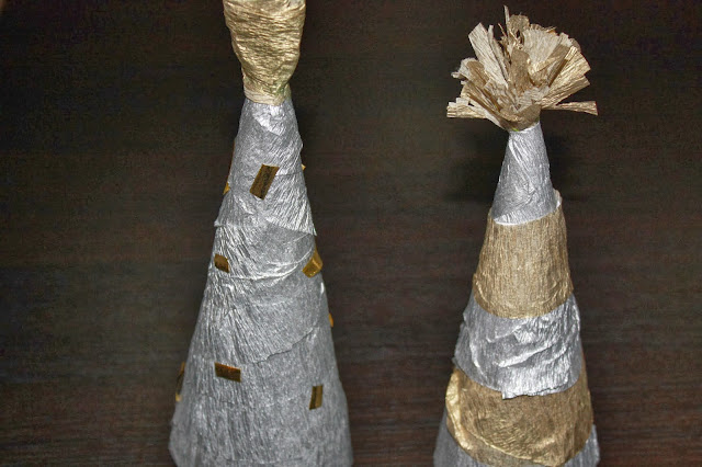 Craft:Making Crepe Paper Christmas Trees