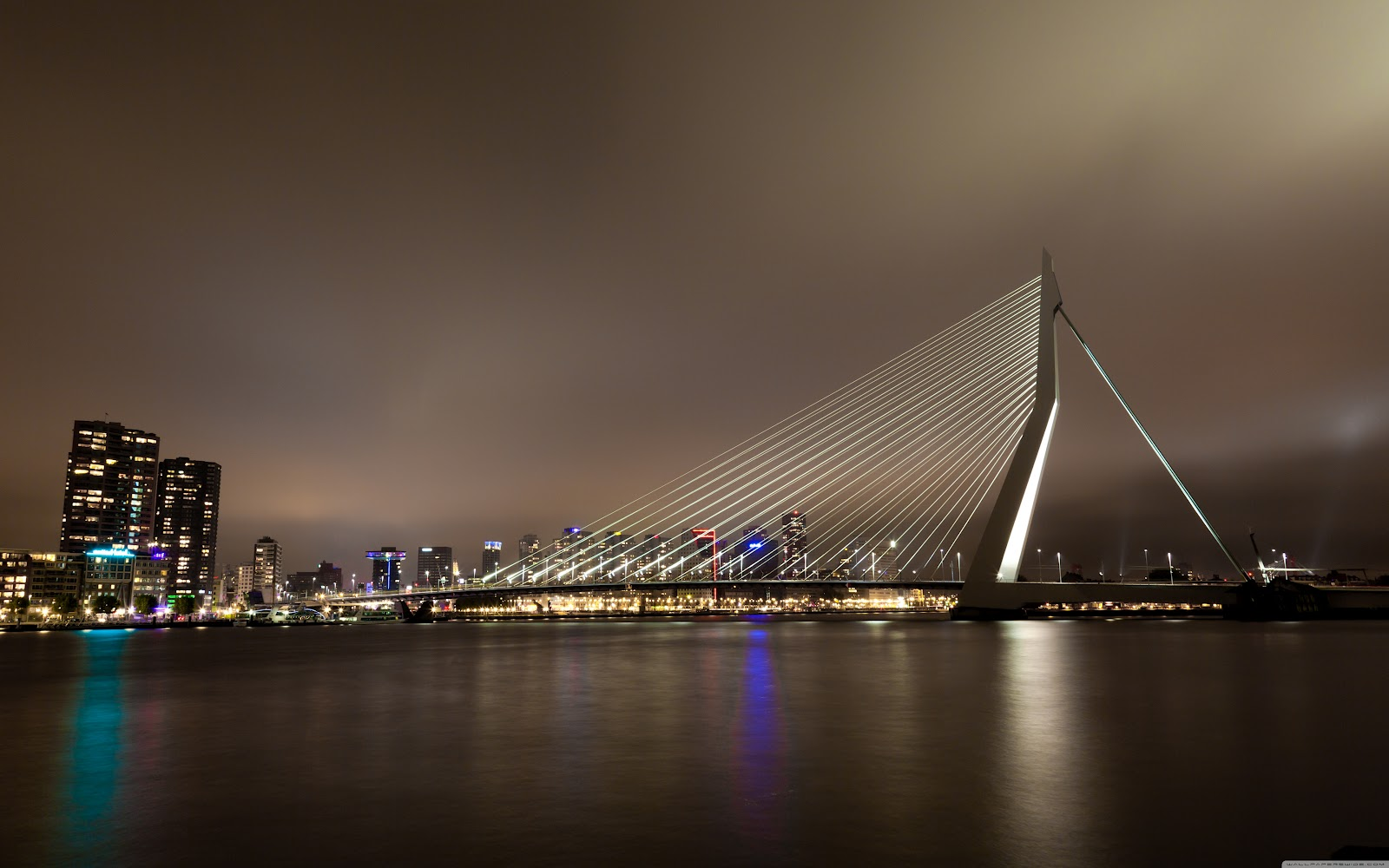 http://3.bp.blogspot.com/-lihuUWs1CPk/T4isjNGd2WI/AAAAAAAABUw/n7k4kAe2IpY/s1600/erasmus_bridge_rotterdam_the_netherlands-wallpaper-5120x3200.jpg