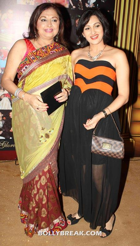 Anita Kanwal and daughter Pooja - (5) - Star Gold television awards 2012 Pics