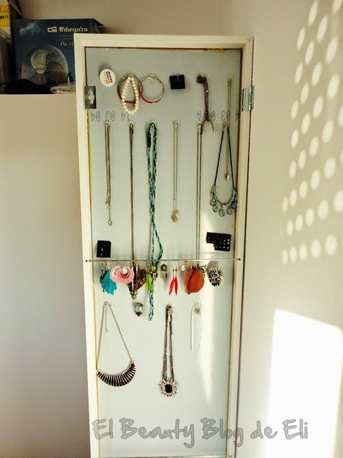 El beauty blog de eli espejo stave de ikea un espejo for Como colgar un espejo sin marco en la pared