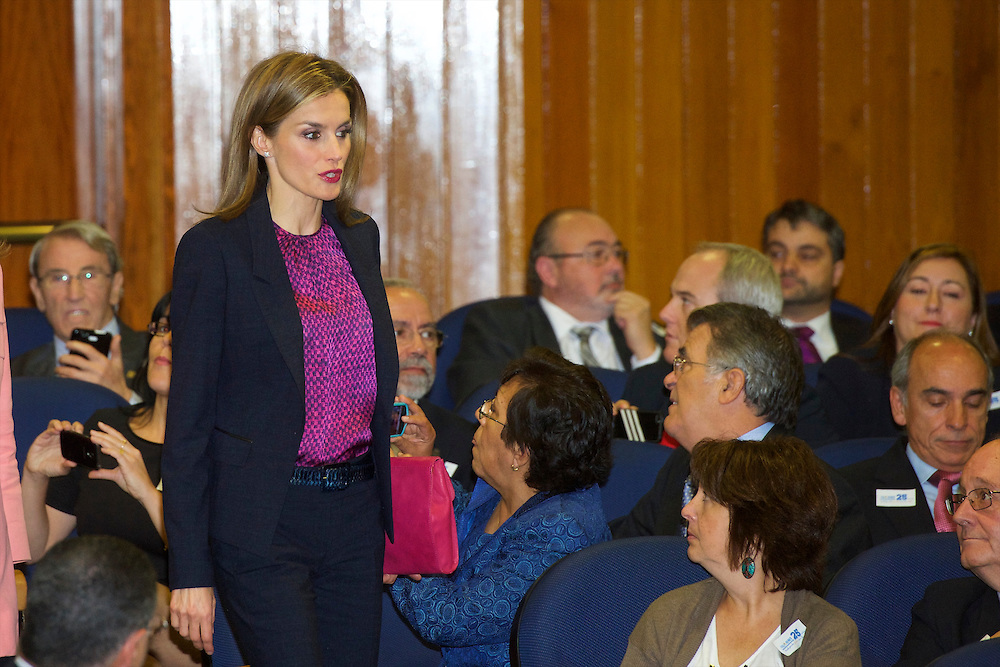Queen Letizia  - Hugo Boss - Bendelli - Fashions - Style