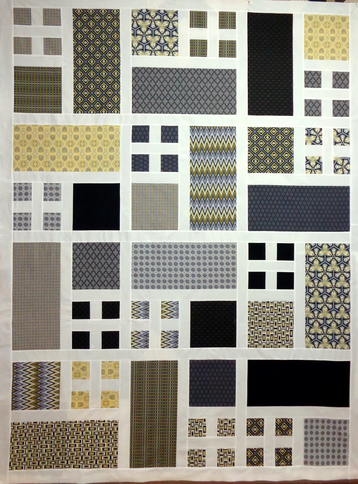 Simple Modern Quilt Patterns Free : CW QUILTS....sometimes: Modern Quilt Update