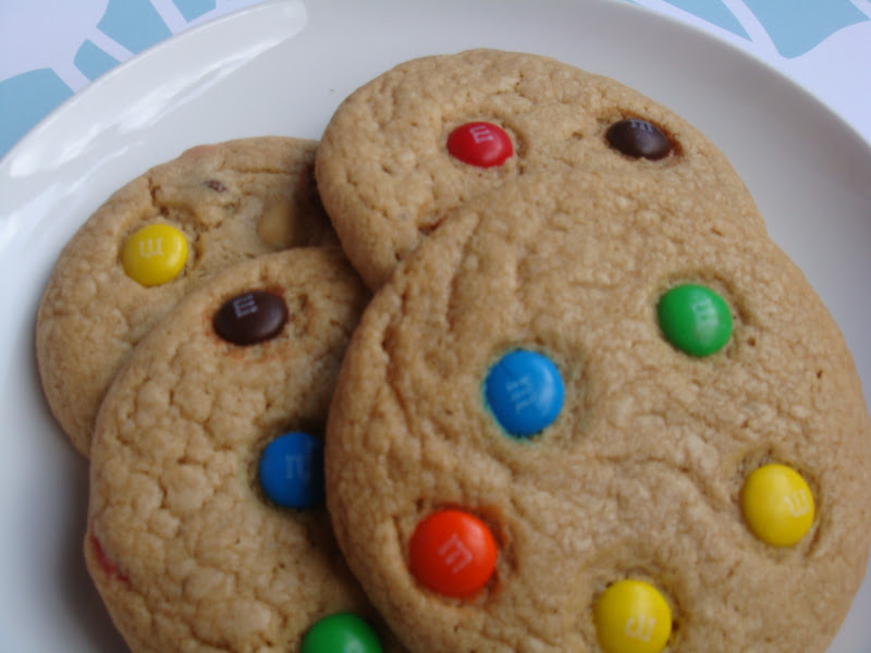 i would love to make a classic large chocolate chip cookies house of aqua style that means i bake with milk chocolate chips and add mms