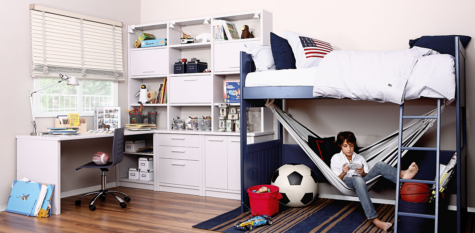 10 dormitorios juveniles modernos ideas para decorar for Habitaciones de estudiantes decoracion