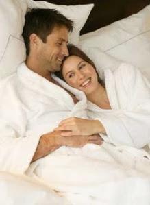 Cara membuat pasangan puas saat berhubungan