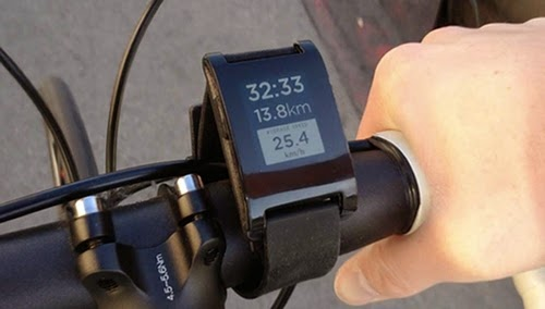 05-Cycling-Pebble-E-Paper-Watch-Iphone-Android-Facebook-Calendar-Silent-Vibrate-Caller-Id-Bluetooth-Twitter-www-designstack-co