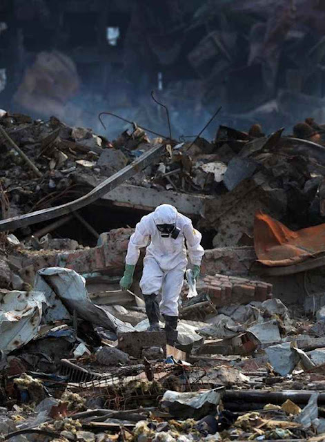 Entre as ruínas do 'Paraíso' prometido pelo governo poderiam estar os restos de 50 desaparecidos.