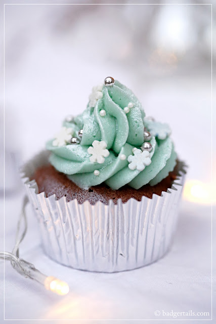 chocolate cupcakes with peppermint ice frosting food photography