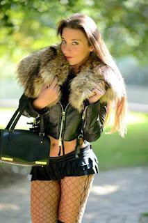休闲无底女孩 - sexygirl-Julie_SKGH_14960204671_1d43bab9d8_b%255B1%255D-772498.jpg