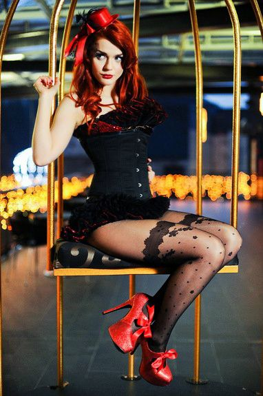 Ivana Gretel Macabre deviantart photos models red hair pin-up vintage Burlesque
