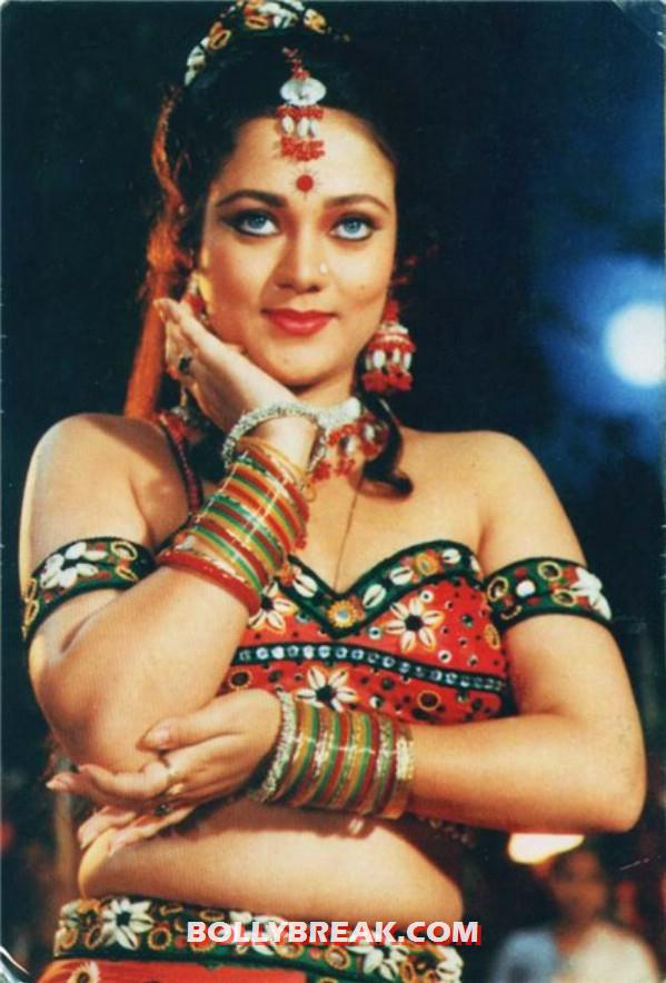 Mandakini in a traditional dress - (2) - Mandakini hot photos from the Old Times