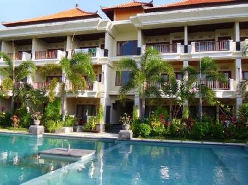 Kusuma Resort Seminyak Pool