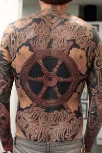 Foto tatuagem costas toda