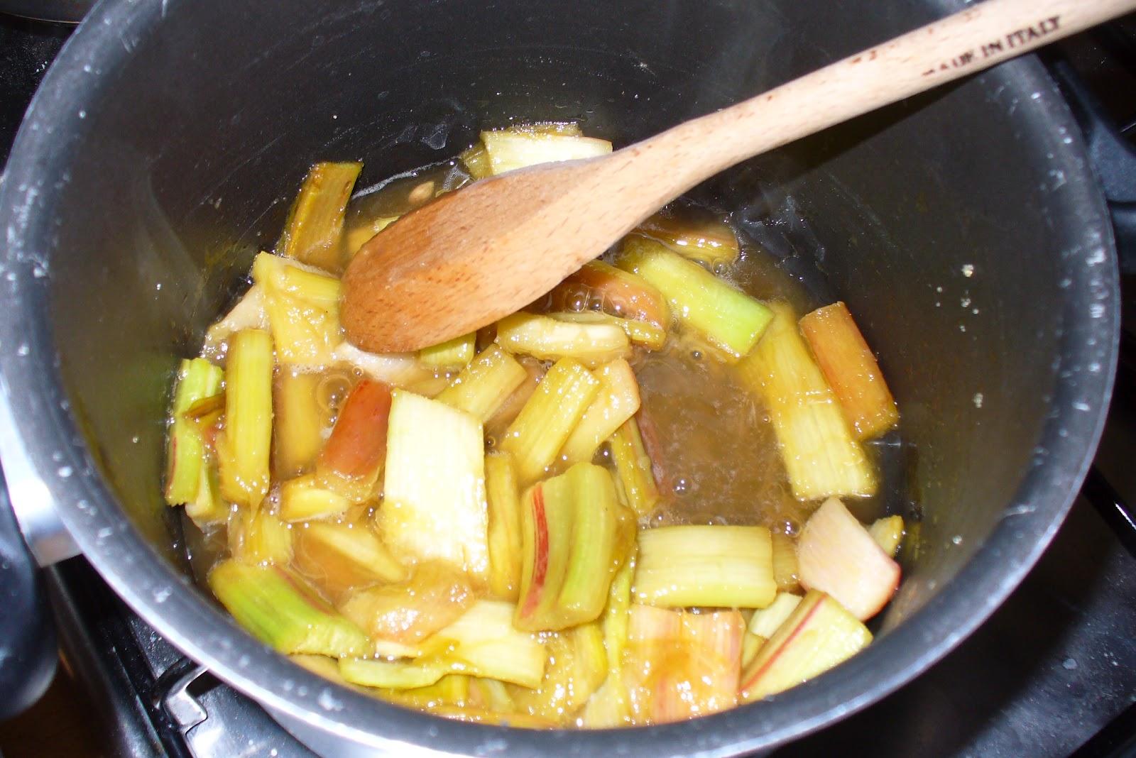 Cucinare la mia passione rabarbaro questo poco conosciuto - Cucinare spendendo poco ...