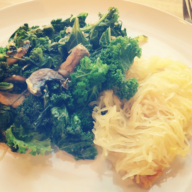 Garlicky kale with chicken and spaghetti squash