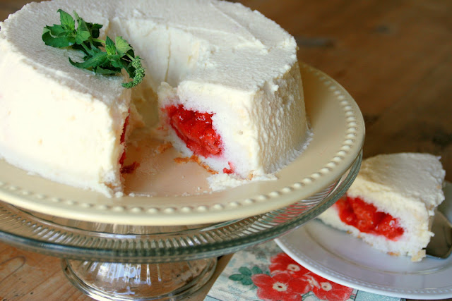 ... with Chopin, Living with Elmo: Strawberry-Stuffed Angel Food Cake