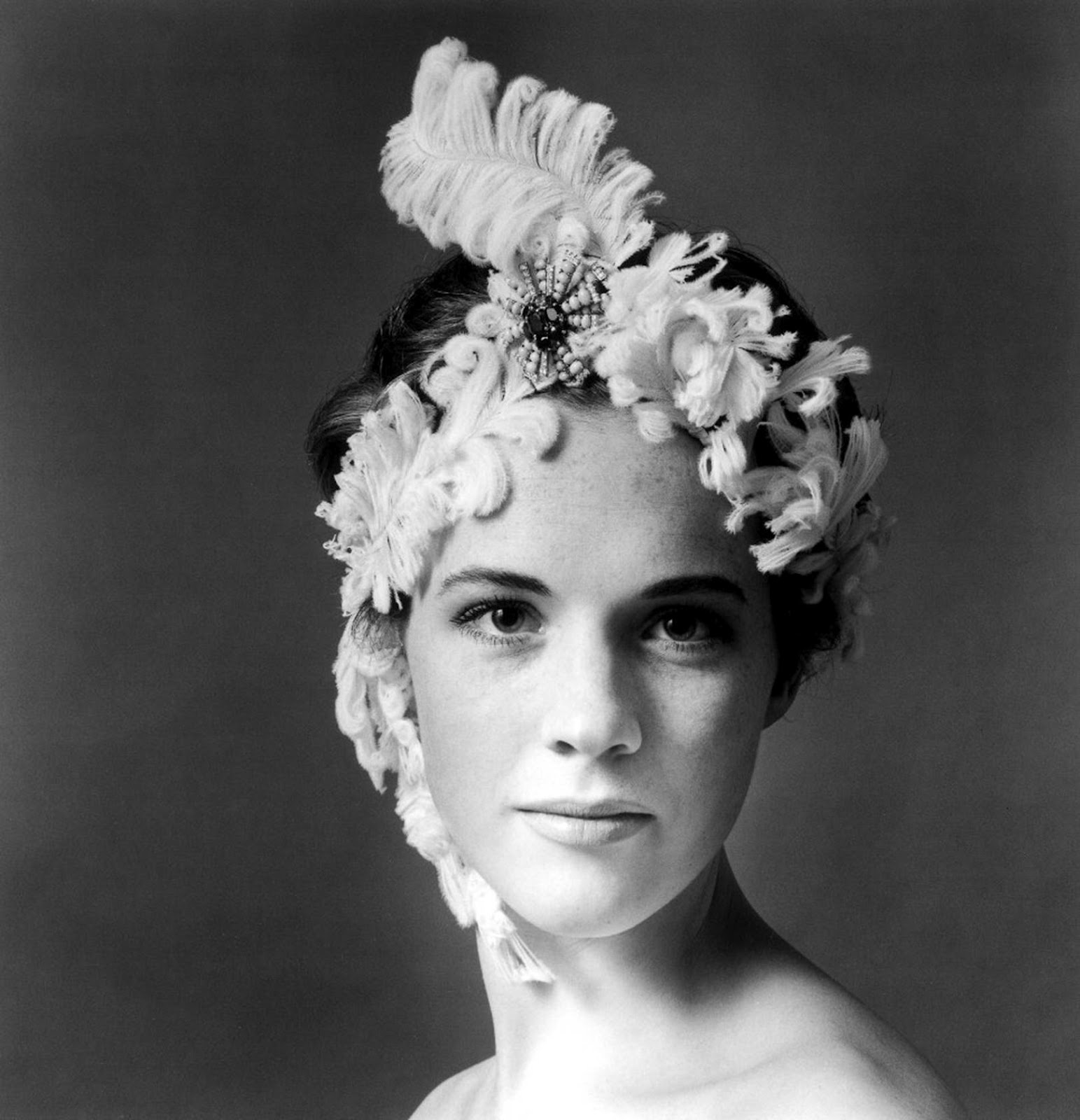 Torn curtain julie andrews - Born On This Day October 1st Julia Elizabeth Wells Tagged With Torn Curtain