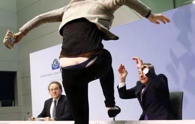 Αν επικρατήσει το ναι, τη Δευτέρα ο Ντράγκι θα κουρέψει τις καταθέσεις των Ελλήνων