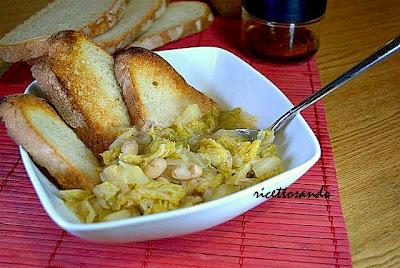 Zuppa di verze e fagioli ricetta vegetariana per una minestra golosa