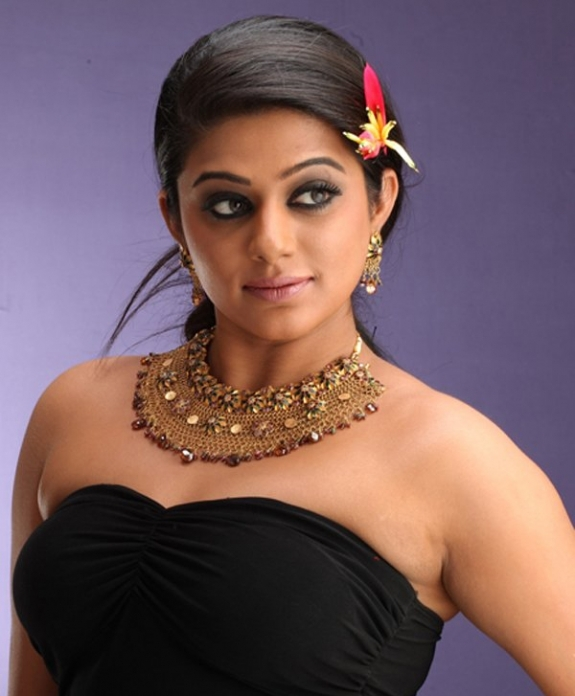 priyamani spicy cute stills