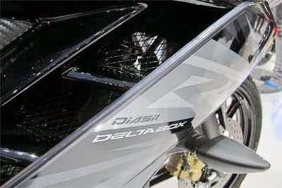 desain motor yamaha r15