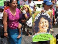 (FOTOS) Honduras: Mujeres del Copinh protestaron frente a embajada de EEUU