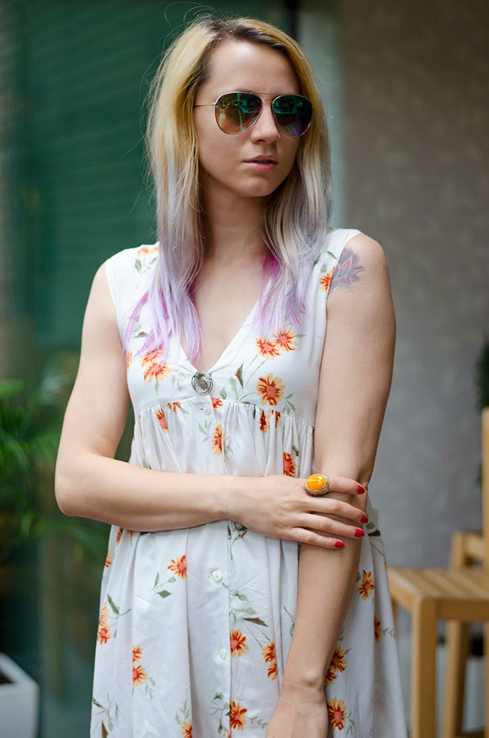 floral summer dress H&M mirror sunglasses