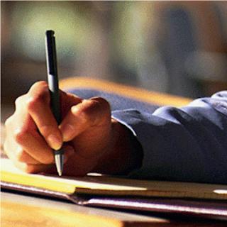 Menulis dan Mendiseminasikan Laporan PTK
