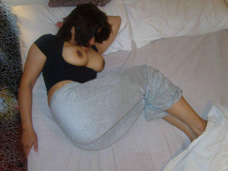 Sleeping Desi Girl Exposed Her Big Boobs