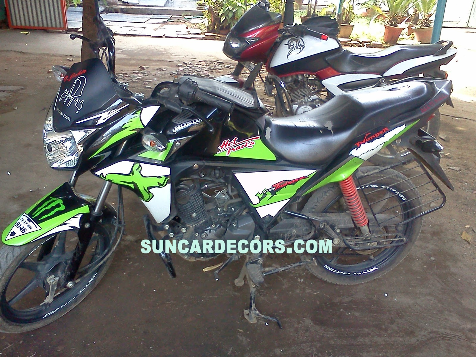 Bike stickering designs for pulsar 150 - Honda Twister Black Colors Stickering Designs