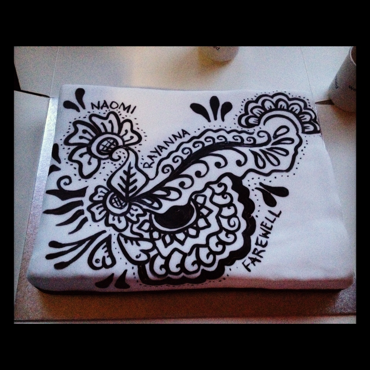 Simple Mehndi Cake : Arabic mehndi designs cake ideas and