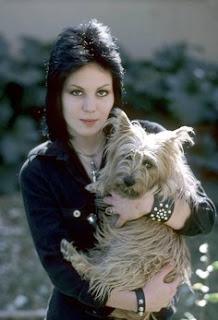 Amigos Joan Jett y Perro-cker
