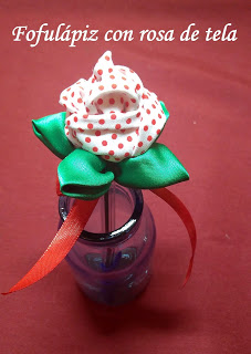 Fofulápiz con rosa de tela Reto Enero