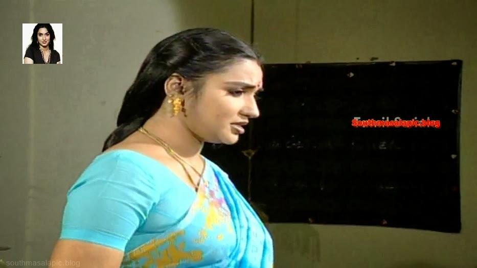 Sukanya aunty sexy show of her wonderful body saree side boobs mulai
