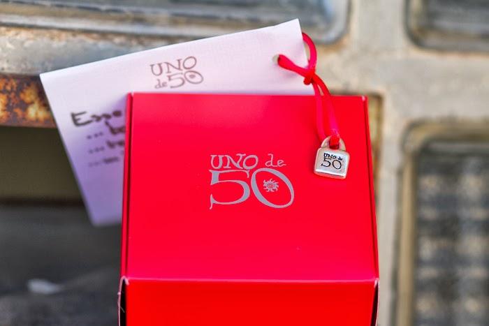 Regalo de Reyes de la marca Española UNO de 50 en Caja Roja