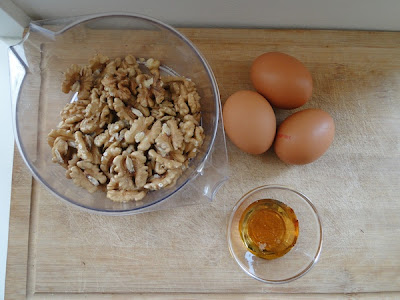 Ingredients Walnut Cake