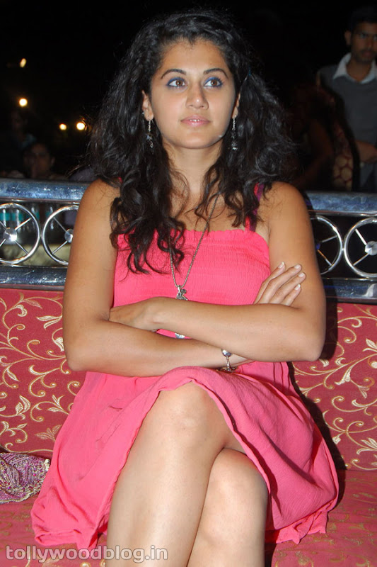 Tapsee Ponnu Hot Photo in Pink Dress unseen pics