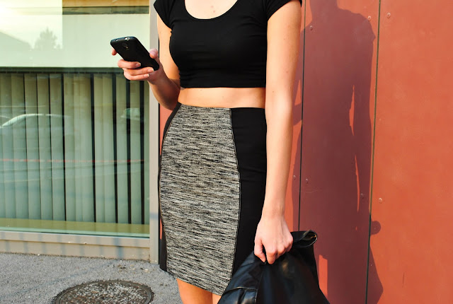 H&M pencil skirt new season 2013, sparkly flats, zara glitter flats, zara lunchbag, leather lunchbag, crop top, fashion blogger