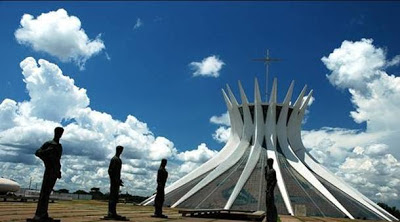 Catedral de Brasilia (Brasil). los edificios mas extraños del mundo. Edificios extraños