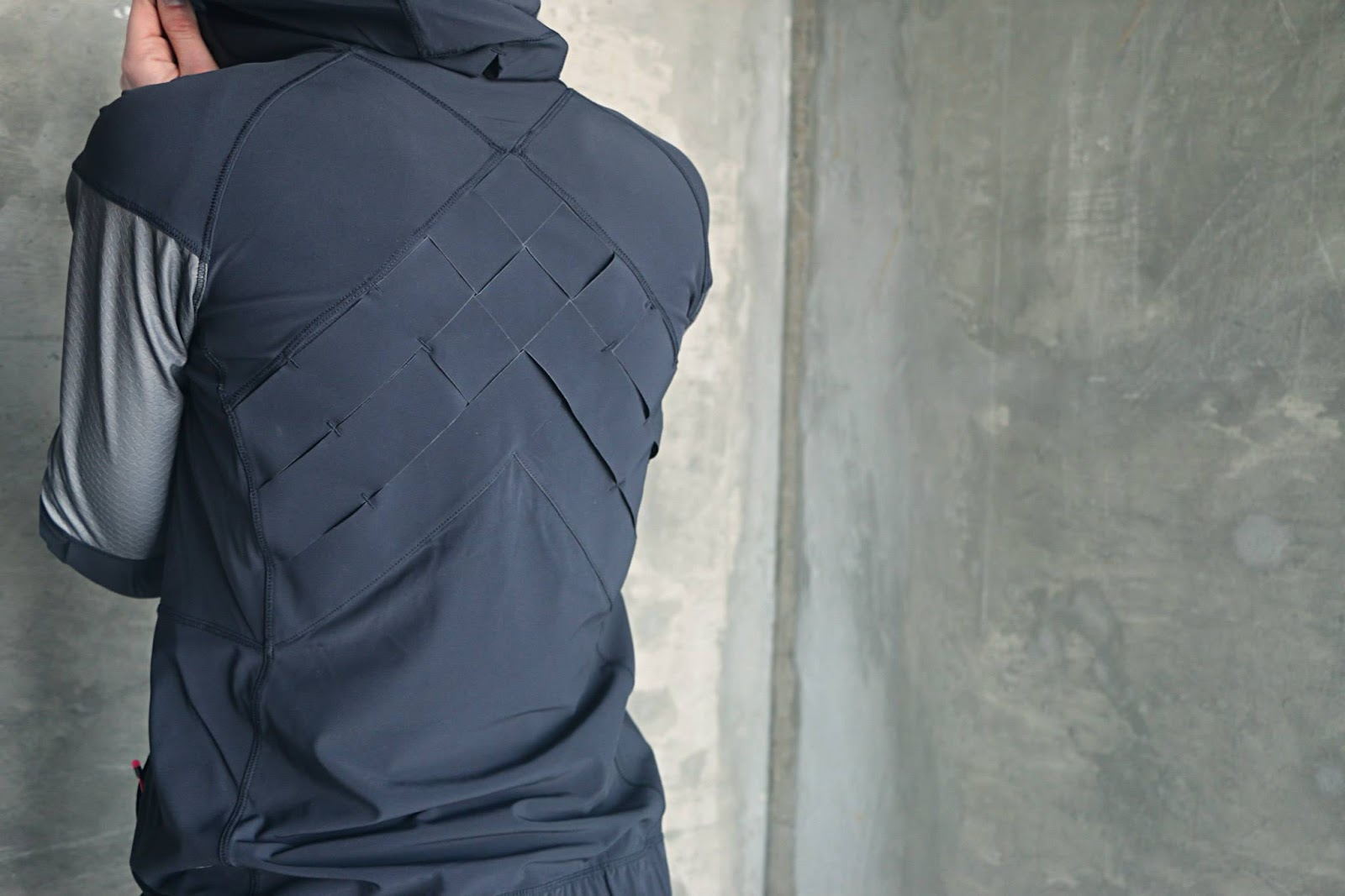 lululemon light speed jacket tight