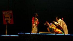 Contoh Naskah Drama Singkat Stella Babak II