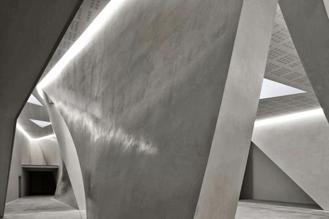 04-The-Teatrino-of-Palazzo-Grassi-by-Tadao-Ando