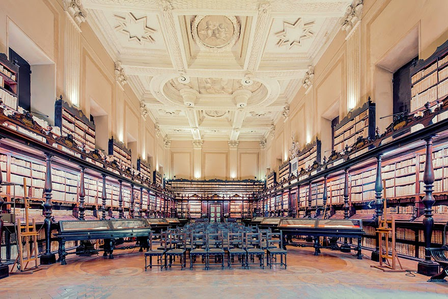 Biblioteca Vallicelliana in Rome, Italy - House Of Books: The Most Majestically Beautiful Libraries Around The World Photographed By Franck Bohbot