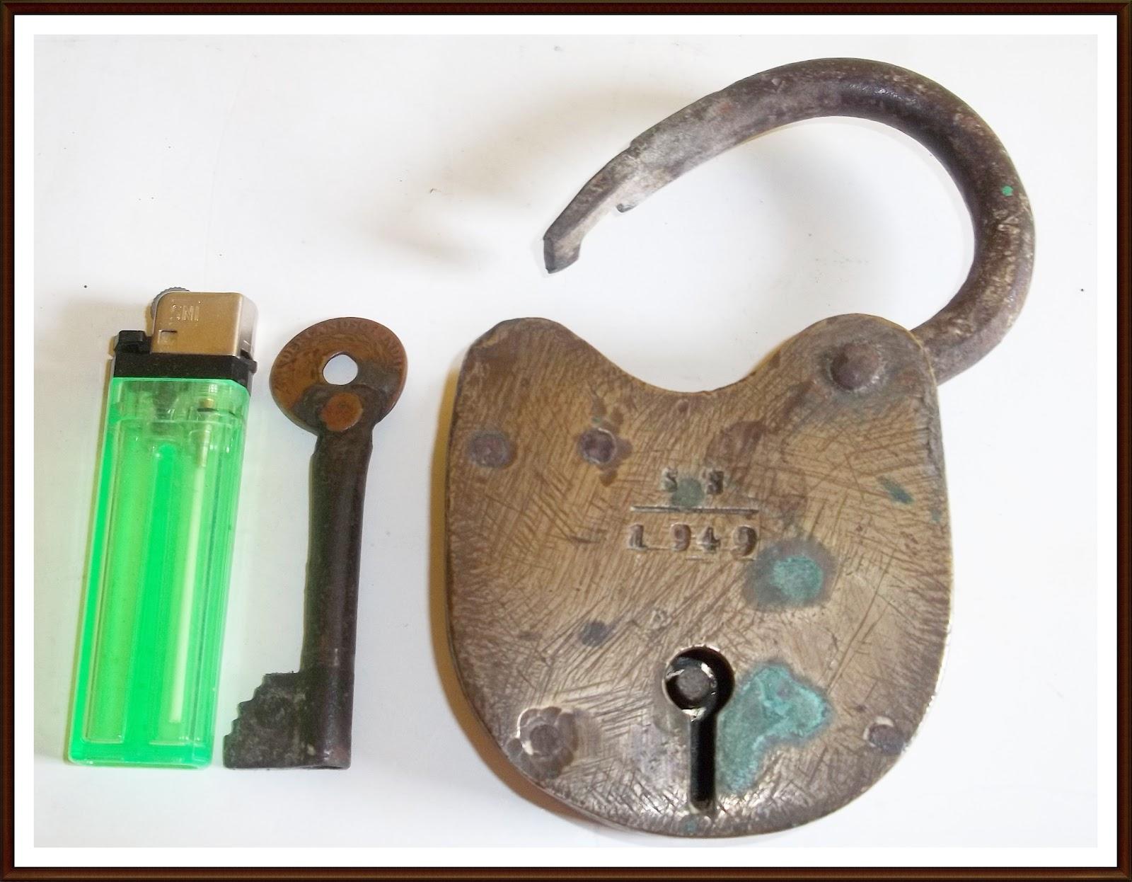Antik Lawas Gembok Kuno Dan Anak Kuncinya Tahun 1949