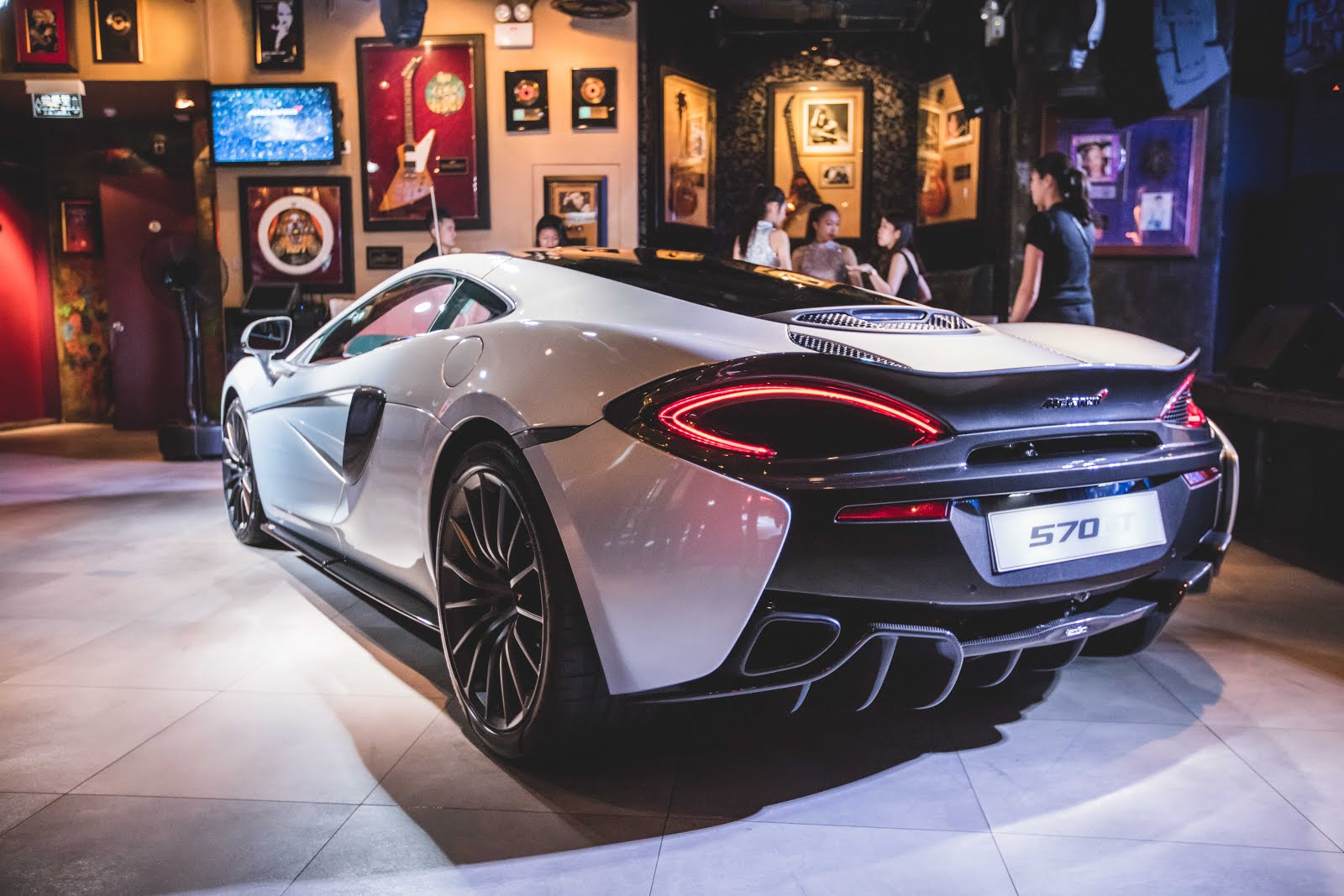 Bon Retain The Performance Of 570S Coupé, McLaren 570GT Has Taken A Step  Further To Enhance A Driving Journey With Increased Levels Of Luxury And  Refinement.