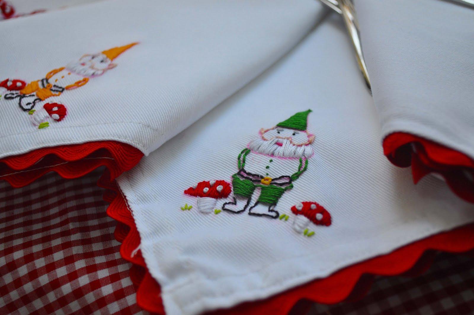 Katydiddys embroidered gnomes napkin tutorial