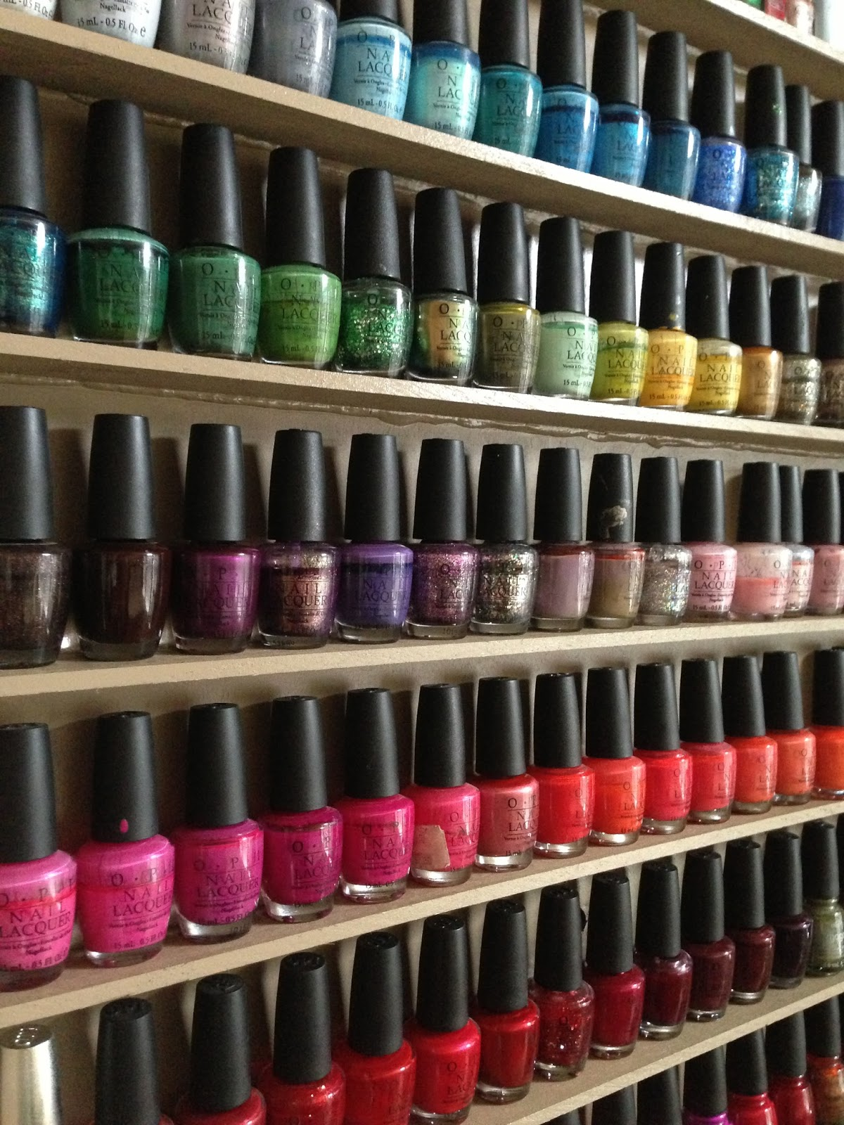 beautifullovelythings another nail polish shelf. Black Bedroom Furniture Sets. Home Design Ideas